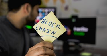 Note with Block chain written on it